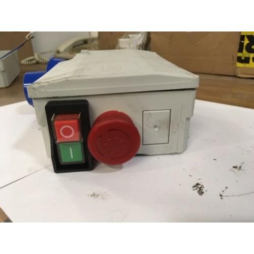 Polieri Tech 350 Kapcsolódoboz 8A 230V
